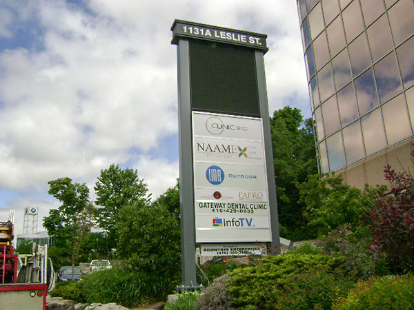 Choose Pylon Signs In Toronto To Boost Sales